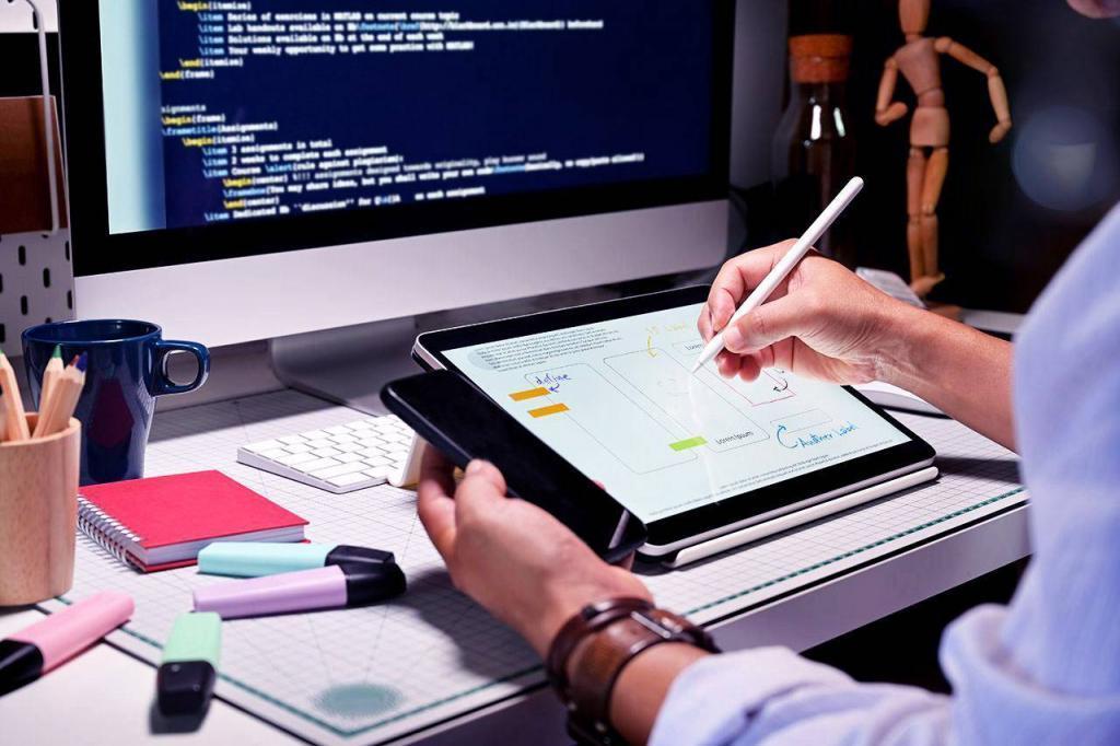 розробник сайтів з планшетом
