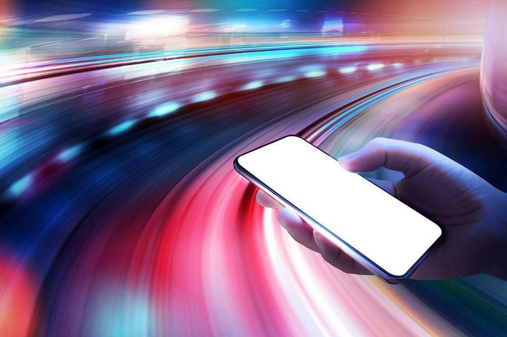 Смартфон та ілюстрація швидкості сайту
